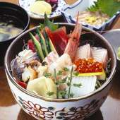 海鮮丼ぶり  ¥2500