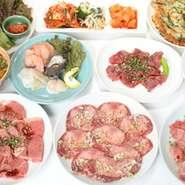 おいしいお肉をお腹いっぱい食べられると好評のご予約メニューは2名様より承ります。 トップレベルの和牛中心のメニューで2000円台から。黒毛和牛のおいしさをご堪能ください。
