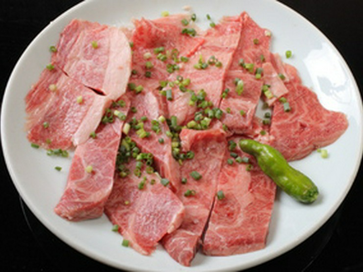 極上の肉と心のこもったサービスで、最大限のおもてなし