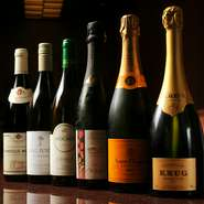 天ぷらに合わせて楽しめるワインやシャンパン、冷酒、焼酎などは希少な銘柄のものも揃えています。季節の京の味覚とともに存分に楽しんでください。
