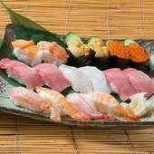 本マグロを使用した、絶品の中トロも味わえる『寿司盛り合せ(二~三人前)』