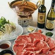 肉は黒毛和牛、タレは自家製金胡麻のゴマダレと自家製ポン酢をご用意!!
