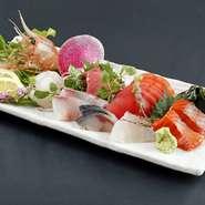 北海道産の新鮮な魚介を仕入れてご提供いたします。