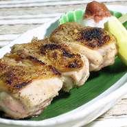 知床鶏焼、阿寒ポークのベーコン、生ラム炙りなど肉料理もいろいろご用意しております。