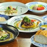 当店はランチ・ディナーともに全ての料理が月替わりで、全てが自慢のオリジナル料理です。看板メニューというのは存在しませんが、ランチもディナーも、旬の味わいを心ゆくまでご堪能いただけます。