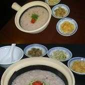 カラダに良い中華を皆様に。お米は、黒米が少し入っております。