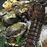 浅草で愛され続けて52年。 一人ひとりに満足して頂けます様に 多彩な旬の魚料理をお客様のご予算に応じてご提供させて頂いております。大小7個室で想い出に残る美味な時間を! 参照:http://www.enshuuya.co.jp/