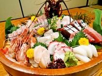 約30種の旬のコースの他に150種の単品料理もございます。