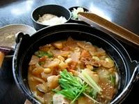 川越の郷土料理、呉汁をアレンジし、煮込んで提供します。そばでも出来ますがうどんのほうがおすすめです