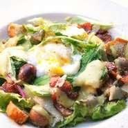 メキシコのTJ、パレスホテル生まれのこのサラダに、イタりアンの雰囲気を入れて仕上げました