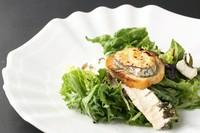 季節の有機野菜使用。 Organic vegetables with anchovy dipping sauce.