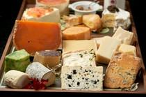 農家製チーズの盛り合わせ