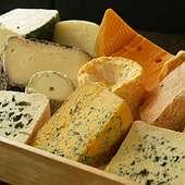 農家製のチーズを中心に30種類前後揃っています