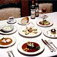 フランス料理でリッチな女子会はいかがですか? 女子会に最適なお得なコースもご用意しております! 是非お気軽にお問い合わせ下さい。
