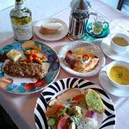 ご予約限定のお得なコース 食前のお飲み物一杯・オードヴル・スープ・魚又は肉料理・パン・デザート・コーヒー