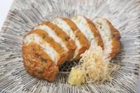 季節の食材を手仕事で薩摩揚げに仕上げます。 内容はスタッフまでお尋ねください。
