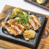 茨城県産つくば鶏もも肉の黒胡椒焼き