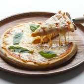 マルゲリータ (トマトソース・バジリコ・チーズ)