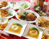 コース料理もお値段に応じて各種ご用意しております。