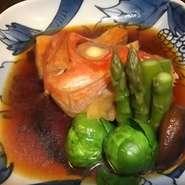 旬の野菜の炊き合わせには筍や新ごぼう等を使った自家製さつまあげの煮物や季節の魚の煮付けがおすすめです!