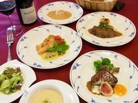 フランス風突き出・フォアグラのポワレ・オードブル・スープ・魚料理・肉料理・パン・サラダ・デザート・コーヒー