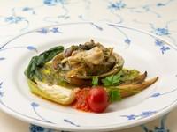 想像を超えるやわらかな食感と、口いっぱいに広がるアワビの甘みを堪能できる『アワビのステーキ』