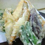 刺身、鍋、唐揚げ、雑炊※2人前より受け付けております。(記載の値段は1人前です)
