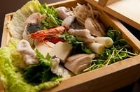 気軽に食べれる、癖のないものばかり※7種類のソースから3種類ほど選べます。