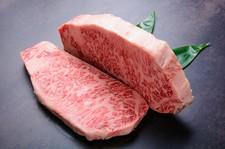 ・前菜・ミニサラダ・黒毛和牛ステーキ・舞茸の土瓶蒸し・茶そば又は雑炊・デザート