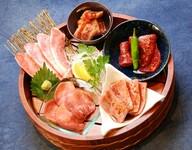 霜降り厚切りタン、和牛霜降りたてばらの焼きスキなど人気かつ極上のお肉をご用意。