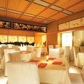 伝統とモダンが融合した料亭スタイルのレストランでウェディング