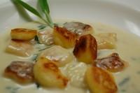 イタリア パルマ産生ハムのサラダ・下記よりパスタまたはリゾット1品・北海道産小麦の自家製天然酵母のパン・本日のデザート