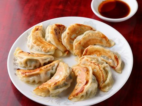 幅広い層に人気の『東海元祖焼き餃子』