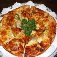 特製オイルをかけたオリジナルピザです。 お持ち帰りできます。