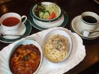 スパゲティー1/2、ドリア1/2、サラダ、スープ、ドリンク