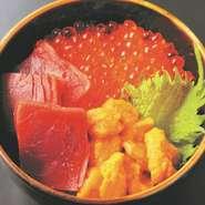 ミニ丼 1600円