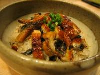 脂がのったうなぎの蒲焼の甘さと、実山椒のピリ辛感を、お口の中でじっくり味わってください。