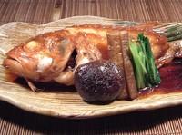 脂の乗りの良さから、白身魚のトロとも言われる美味しさと、漁獲量が少ないことから幻の高級魚とも…