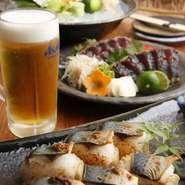土佐の風土が育てた酒、肴、料理に人情をかたむけて、こだわりの魚と料理でお客様をおもてなしいたします。レトロな雰囲気な掘りごたつ席は、個室もあり、夏の宴を思い思いに過ごすことができます。
