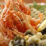 最後の清流四万十川の天然の川海老と青さ海苔をやき、まぁ…食べてみて!