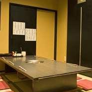 個室、大広間、2階にもカウンター席ございます
