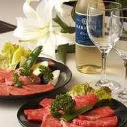 ブランド和牛を使用し、その肉に合わせたカットの仕方からタレの開発まで美味しさを追及しております。シックな店内でおいしいひとときをお過ごし下さい。