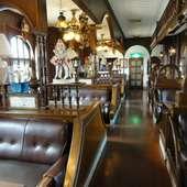 クラシカルで落ち着いた雰囲気の喫茶店です。