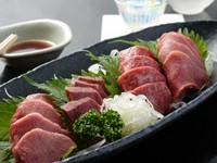 人気の「肉刺盛り合わせ」