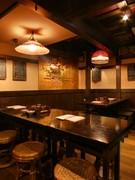 趣あふれる古民家風の食空間