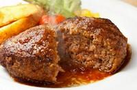 お肉、サラダ、パン、デザート、ドリンク+500円で、お魚orパスタお付けできます。
