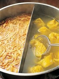 シメまで美味しい火鍋(ホーコー)