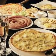 100種以上もある珠玉の飲み放題ドリンクメニューと、各種お料理と合わせて楽しめる飲み放題コースを3500円~ご用意。 各種ご宴会や2次会にお楽しみ下さい。