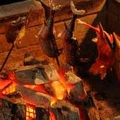 キッチンに設置している囲炉裏で焼く『炭火焼』