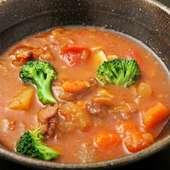 国産の牛筋を使用『牛筋の煮込み(トマトガーリック風味)』